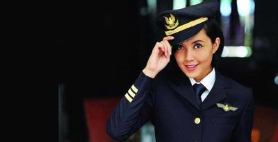 Profil Sarah Widyanti Kusuma Pilot Cantik dan Termuda Indonesia